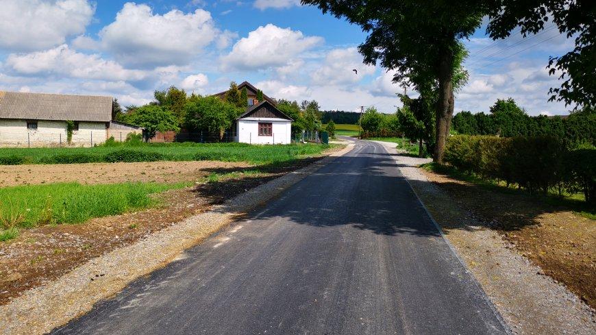 Rozbudowa drogi gminnej w Łopienniku Nadrzecznym (Ziemiany)